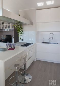 Spare No Expense With Small Kitchen Remodeling – Open Kitchen Designs Cosy Kitchen, Mini Kitchen, Kitchen Interior, Interior Design Living Room, Casa Top, Cocina Office, Kitchen Design Open, My Ideal Home, Home Kitchens