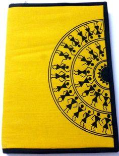 theme of warli on circle frame Worli Painting, Fabric Painting, Saree Painting, Tribal Drawings, Tribal Art, Madhubani Art, Madhubani Painting, Art N Craft, Diy Art