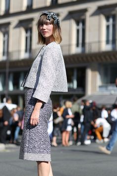 80 French Style Lessons To Learn Now #refinery29  http://www.refinery29.com/2014/10/75565/paris-street-style-photos-fashion-week-2014#slide-11  Do: Stand out without color.