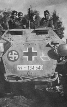 5th SS Panzer division SdKfz 251/1 ausf. C halftrack.