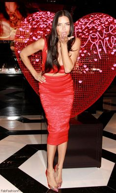 Blowing kisses Adriana Lima at 2015 Victoria's Secret Valentine's Day Event. #adrianalima