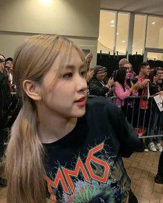 Yg Entertainment, Mamamoo, Rose Icon, Rose Park, Blackpink Fashion, Park Chaeyoung, Kawaii, Blackpink Jisoo, Girl Bands