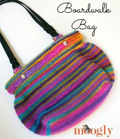 Mother's Day is just a few weeks away! Show your mom some love with a handmade gift made from one of these 25 FREE crochet patterns! Purse #CrochetMothersDay