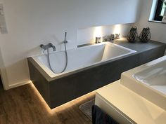 General Ideas Interieur - Engelshove A Home Garden – Fun for the Whole Family Home gardening is a wo Bad Inspiration, Interior Design Inspiration, Bathroom Inspiration, Modern Bathroom, Small Bathroom, Bathroom Interior Design, Bathroom Renovations, Corner Bathtub, Living Spaces