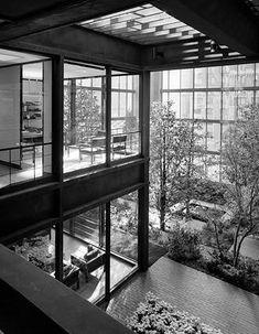 Ford Foundation, offices and garden NYC Kevin Roche John Dinkeloo and Associates : KRJDA Photo © Ezra Stoller/Esto