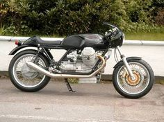 Moto Guzzi T3 cafe racer - simply gorgeous
