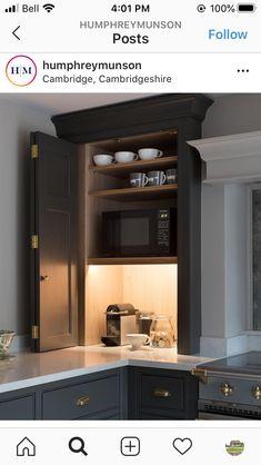 Design My Kitchen, Grey Kitchen Designs, Kitchen Redo, Kitchen Layout, Bungalow Kitchen, Cabin Kitchens, Handleless Kitchen, Open Plan Kitchen Living Room, Kitchen Pantry Cabinets
