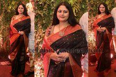 Jayasudha at Srija Wedding Gold Pendent, 22 Carat Gold, Saree Models, Rose Dress, India Fashion, Saree Blouse Designs, Wedding Reception, Curves, Sari