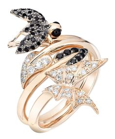 Stephen Webster Fly By Night Stacking 'Fly' Ring and 'Batmoth' Ring, which can be worn together or separately, set in Rose Gold with Black Diamonds. Insect Jewelry, Gems Jewelry, Jewelery, Fine Jewelry, Women Jewelry, Jewelry Box, Unusual Engagement Rings, Stephen Webster, Unique Wedding Bands