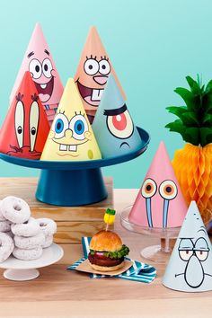 These free printable party hats feature SpongeBob, Patrick, and other Bikini Bottom dwellers! Spongebob Birthday Party, 3rd Birthday Parties, Birthday Party Decorations, Spongebob Party Ideas, 2nd Birthday, Spongebob Crafts, Birthday Ideas, Patrick Spongebob, Zeina