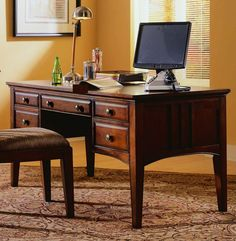 Clarendon Writing Desk | Hooker Furniture | Home Gallery Stores