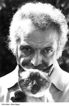 Georges Brassens holding a cat, 1995 Ernest Hemingway, Crazy Cat Lady, Crazy Cats, Cat Toilet, Son Chat, Cat Garden, Jazz Musicians, Cat Birthday, Cat Boarding
