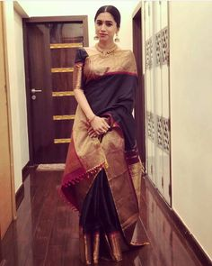 Looking for half saree color combinations ? Check out 21 cool looking half saree designs with trending colors and modern appeal. Dress Indian Style, Indian Dresses, Indian Outfits, Silk Saree Blouse Designs, Saree Blouse Patterns, Kurti Patterns, Sari Bluse, Saree Models, Blouse Models