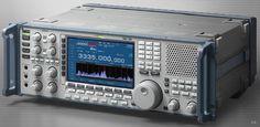 Icom R9500  High end rack mountable communications rig.