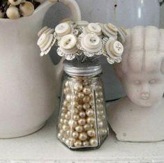 button bouquet in a salt/pepper