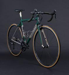 Busyman Bicycles custom leatherwork on: GTB Triple Stripe, Custom Green, Custom Cream, Custom Gold, Ristretto | by Baum Cycles