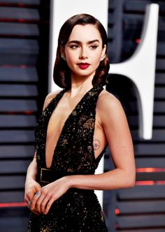 Lily Collins attends the 2017 Vanity Fair Oscar Party hosted by Graydon Carter at Wallis Annenberg Center for the Performing Arts on February 26, 2017 in Beverly Hills, California