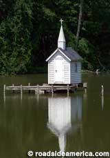 Oneida, New York: Cross Island Chapel