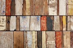 Mesa con desechos de madera