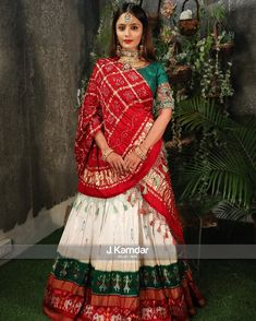 Wedding Lehenga Designs, Indian Wedding Lehenga, Indian Wedding Wear, Indian Bridal Outfits, Designer Bridal Lehenga, Indian Bridal Fashion, Indian Designer Outfits, Bandhani Dress, Lehnga Dress