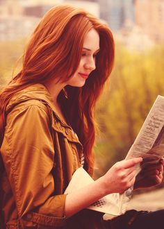 Amelia Pond. The Girl Who Waited. It is just me or I really do look like her a bit? I think there's a bit of resemblance between the 2 of us. PLEASE TELL ME!