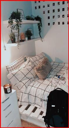 Cute Bedroom Decor, Room Design Bedroom, Small Room Bedroom, Room Ideas Bedroom, Small Rooms, Bedroom Inspo, Bedroom Inspiration, Teen Bedroom Decorations, Room Decorating Ideas