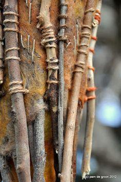 Pam de Groot - Textures in Dimension yarn and stick art Stick Art, Textile Fiber Art, Fabric Manipulation, Nature Crafts, Felt Art, Texture Art, Fabric Art, Soft Sculpture, Textile Art