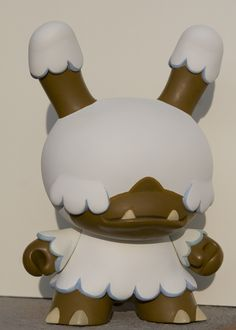 Snowy Mountain Munny by Okkle