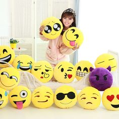 Yellow Soft Round Cushion Emoji Emoticon Stuffed Plush Toy Doll Smiley Pillow Gw