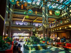 A look inside the recently renovated lobby of the Polynesian Village Resort at Walt Disney World in Florida. Read all about it at Burnsland.com!