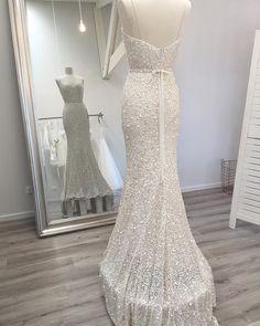 KAREN WILLIS HOLMES Anya gown Via thebridespacenz