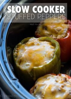 healthy food recipes chiken dinner cooking These Slow Cooker Steakhouse Stuffed Peppers are bursting with flavor and only take a few minutes to prep! The perfect easy weeknight dinner recipe! Slow Cooker Recipes, Beef Recipes, Healthy Recipes, Chicken Recipes, Veggetti Recipes, Mexican Recipes, Tilapia Recipes, Recipies, Slow Cooker Dinners