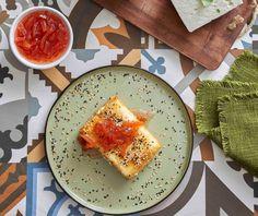 Φέτα σε φύλλο κρούστας | Συνταγή | Argiro.gr Greek Recipes, Feta, Dairy, Cheese, Food Porn, Greek Food Recipes