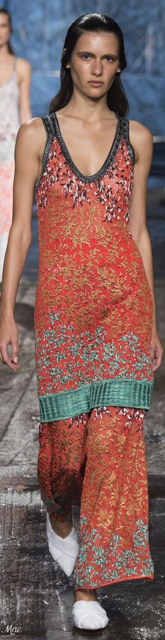 Spring 2017 Ready-to-Wear Missoni I Love Fashion, Fashion 2017, Spring Fashion, Fashion Outfits, Fashion Design, Color Fashion, Milan Fashion, Stylish Outfits, Cool Outfits