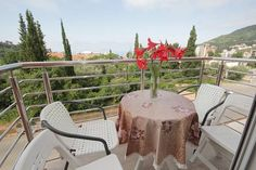Apartments Residence Dj Petrovac na Moru Apartments Residence Dj offers accommodation in Petrovac na Moru. Budva is 12 km from the property. Free WiFi is offered .  The accommodation is air conditioned and features a seating area. Some units have a balcony and/or patio.