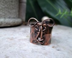 copper corset ring by EdisLittleTreasures on Etsy, $35.00 https://www.etsy.com/listing/168259105/copper-corset-ring