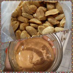 Día 28: Algo asombroso (Something awesome). #FMSPhotoADay  Cómo el maní se convierte en mantequilla (How the peanut turns into butter)