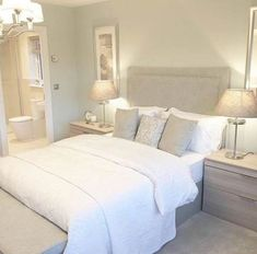 Peaceful, calm colour on the wall - Home decor - Bedding Master Bedroom Dream Rooms, Dream Bedroom, Home Decor Bedroom, Cream Bedroom Decor, Taupe Bedroom, Calm Bedroom, Bedroom Boys, Bedroom Apartment, Suites