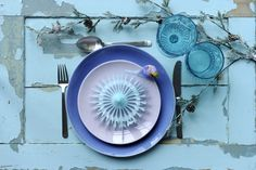 Colorful tablesetting - for christmas - for New Years - For wedding - For the big party - Styled by boligcious. Grand Prix, 1 Advent, Christmas Table Settings, Big Party, Danish Design, Summer Fun, Decorative Plates, Flatware, Tableware