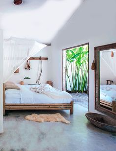 French By Design: House Tour : The escape home of Jan + Ronnie  These beds? Probably less expensive to make