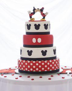 Mickey and Minnie Mouse Wedding Cake Mickey And Minnie Cake, Bolo Mickey, Mickey And Minnie Wedding, Mickey Mouse Birthday, Disney Mickey, Disney Cakes, Disney Wedding Cakes, Disney Themed Cakes, Disney Weddings