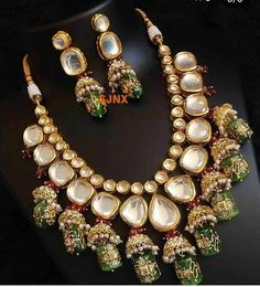 Stylish American Diamond Necklace Set with Matching Earrings – FashionVibes Kundan Jewellery Set, Indian Jewelry Sets, Silver Jewellery Indian, Jewelry Design Earrings, Indian Wedding Jewelry, Necklace Designs, Bridal Jewelry, Kundan Set, Silver Jewelry