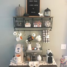 Halloween is a very special holiday. You can have an unusual day with scary decorations. In addition to the living room, the perfect place to design with the taste of Halloween is your bar. Coffee Bars In Kitchen, Coffee Bar Home, Coffee Corner, Coffee Shop, Fall Home Decor, Autumn Home, Diy Home Decor, Halloween Room Decor, Halloween Decorations