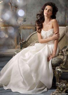 Jim Hjelm Bridal Gowns 2011: beautiful!! <3