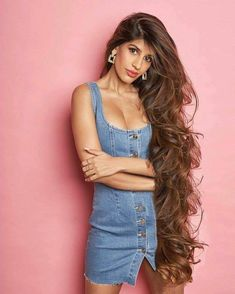 The gorgeous Ms. by hairluster on DeviantArt Really Long Hair, Super Long Hair, Big Hair, Beautiful Long Hair, Gorgeous Hair, Rapunzel, Long Brown Hair, Stylish Girl Images, Beauty Full Girl