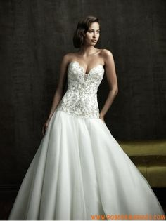 Robe de mariée de luxe sexy avec bustier broderie