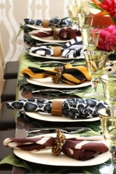 I know this is for a wedding but I think this could be a lovely setting for Christmas with some Christmas decoration added ~ Purim Table Setting, safari theme table setting, table setting image, Safari Wedding, Safari Party, Safari Theme, Jungle Party, Animal Print Wedding, Safari Chic, Jungle Theme, Tarzan Und Jane, African Theme