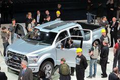 Ford a beau mettre beaucoup d'énergie dans ses petites voitures, il va vivre et mourir avec ses camionnettes pleine grandeur, l'éternelle série F. Or, General Motors est arrivé au Salon de Detroit avec ses nouvelles Silverado et Sierra, et Ram a vu son pick-up 1500 récompensé du titre de Meilleur camion de l'année.