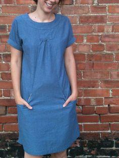 Love this version of the Lisette Portfolio dress.  A Plain Dress by erickabbt, via Flickr