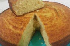 BOLOS CASEIROS MASSA DE LIQUIDIFICADOR SUPER FÁCIL!! VEJA COMO FAZER>>>   Receitas Do Céu Cornbread, Carne, Pasta, Ethnic Recipes, Food, Self Rising Flour, Cassava Cake, Cabbage, Cupcake